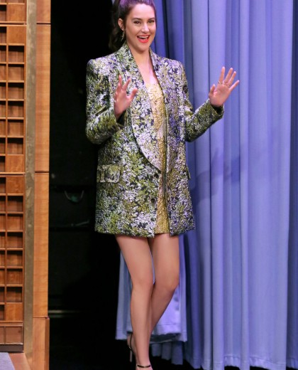 Shailene Woodley In Cong Tri Fall Winter 2019 Joining The Tonight Show With Jimmy Fallon