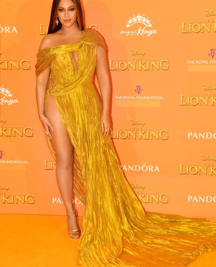Beyoncé In Cong Tri Custom Gown At The Lion King Premiere