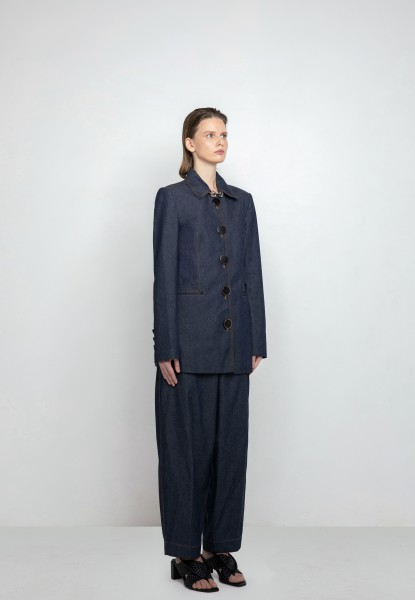 button-detailed jean suit